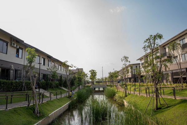Mảng xanh len lỏi vào từng nhịp sống của khu đô thị Waterpoint.